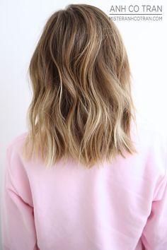 X blonde in brown hair, brown hair dyed blonde, balayage hair light brown, Brown Blonde Hair, Dark Hair, Blonde Honey, Light Hair, Hair Day, New Hair, Medium Hair Styles, Short Hair Styles, Hair Medium