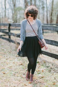 Wardrobe Wednesday | Spring Stripes - Tori Watson Fall Outfits For Teen Girls, Fall Outfits 2018, Fall Outfits For Work, Mom Outfits, Skirts With Boots, Tights And Boots, Dress With Cardigan, Grey Cardigan, Desert Boots