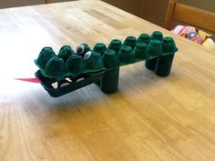 Mommie...Again: Egg Carton Alligator Craft for Toddlers and Preschoolers by Guest Blogger - http://www.mommieagain.com/2013/09/egg-carton-alligator-craft-for-toddlers.html