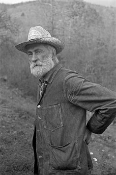 This photograph of an old man(taken in 1935) connects to grandpa because the stoborness is clearly shown in his face, which is how i imagine Grandpa