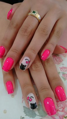Give style to your fingernails with the help of nail art designs. Used by fashion-forward stars, these nail designs can add instantaneous style to your outfit. Cat Nail Designs, Nail Designs Spring, Cat Nail Art, Cat Nails, Spring Nail Art, Spring Nails, Nail Deco, Nail Selection, Feather Nails