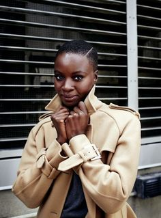 Bald haircut style and makeup inspiration for all you daring black women African Hairstyles, Afro Hairstyles, Black Hairstyles, Teenage Hairstyles, Natural Hair Care, Natural Hair Styles, Shaved Natural Hair, Bald Haircut, Short Hair Cuts