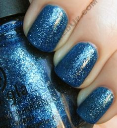 China Glaze Dorothy Who? Oh another perfect example of China Glaze glitters! Perfect formula perfect polish.