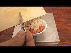 Mini Food Cheeseburger 食べれるミニチュアチーズバーガー / Edible Miniature Cheeseburgers! - YouTube