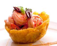 Cebiche mexicano de camarón en canastitas de tostón QueRicaVida.com