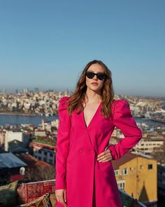 Celebrity Faces, Celebrity Gossip, Alina Boz, Turkish Women Beautiful, Vogue Men, Celebs, Celebrities, Leather Jacket, Actresses