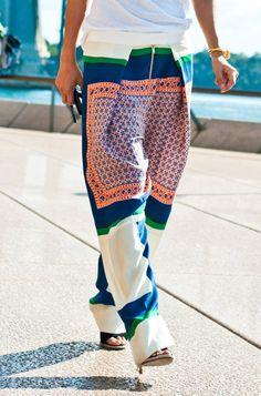 Slouchy printed pants