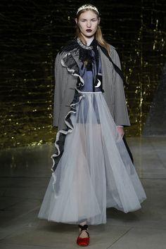 Miu Miu Spring 2016 Ready-to-Wear Collection Photos - Vogue  http://www.vogue.com/fashion-shows/spring-2016-ready-to-wear/miu-miu/slideshow/collection#29