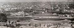 Panorámica de la plaza de Toros y de la Condomina en día de partido en 1960 (destaca el marcador simultáneo 'Dardo') También se ve el palmeral del 'Huerto del Cementerio', como así lo conocíamos, hoy convertido en parque. ¡Ay Murcia!: abril 2014
