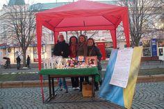 Мукачівські волонтери провели благодійний ярмарок до Дня святого Валентина - http://mukachevo.today/mukachivski-volonteri-proveli-blagodijnij-yarmarok-do-dnya-svyatogo-valentina/