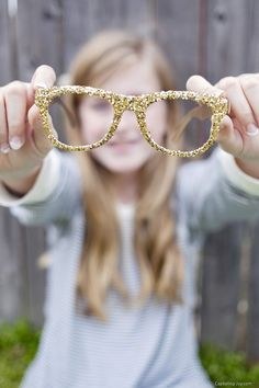 How to make your own glitter glasses DIY Tutorial - Fun craft activity for teens and tweens!