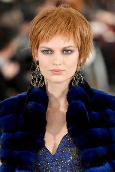The Hottest Makeup Trends For Fall 2014 - '60s Inspired - Oscar de la Renta