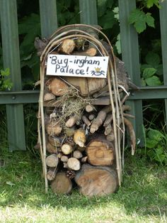 43 Ideas Bird Houses Diy Bug Hotel – World of Flowers Eco Garden, Garden Bugs, Garden Art, Bug Hotel, Forest School Activities, Sensory Garden, Bird Houses Diy, Garden Projects, Garden Inspiration