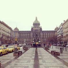 Wenceslas Square Most Beautiful Pictures, Beautiful Places, Places Ive Been, Places To Visit, Prague Castle, Heart Of Europe, City Break, Its A Wonderful Life, Prague