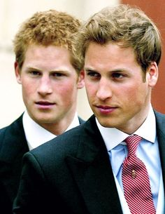 Prince Harry and Prince William. USed to love Prince William, but Prince Harry grew up to be the hot one! Lady Diana, Prince William Et Kate, Prince William And Harry, Prince Charles, Prince Harry Bald, Princesa Diana, Prince And Princess, Princess Of Wales, Elizabeth Ii