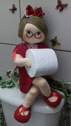 Beansie Babbles: Make Your Own Dress Form Craft Stick Crafts, Diy And Crafts, Doll Patterns, Sewing Patterns, Crochet Projects, Sewing Projects, Diy Toilet Paper Holder, Bathroom Crafts, Soft Sculpture