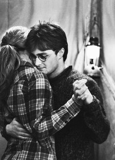 harry potter, harry potter and the deathly hallows part 1, film, 2010s, daniel radcliffe, emma watson