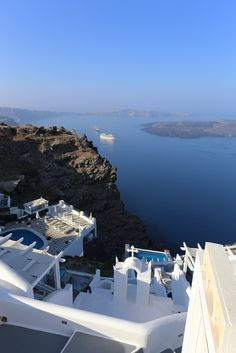 https://flic.kr/p/p6j4ry   Breathtaking Santorini   Santorini is a volcanic island in the Cyclades group of the Greek islands. It is located between Ios and Anafi islands. It is famous for dramatic views, stunning sunsets from Oia town, the strange white aubergine (eggplant), the town of Thira and naturally its very own active volcano. There are naturally fantastic beaches such as the beach of Perissa, maybe the best beach in Santorini, the black pebble beach of Kamari, white beach and red…