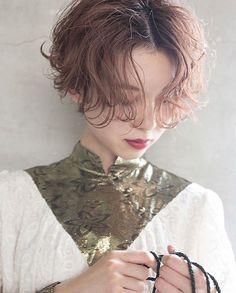 Japanese Hairstyle Pin By Tomboy Hairstyles, Permed Hairstyles, Hairstyles With Bangs, Girl Short Hair, Short Hair Cuts, Short Hair Styles, Ulzzang Girl Fashion, Hair Inspiration, Hair Makeup