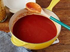 Alton's Homemade Tomato Sauce Simmer a batch of Alton's easy tomato sauce today, and use it to make pasta, lasagna or stuffed peppers during the week.