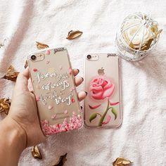 Muito amor envolvido por essas duas novidades! {cases: para sempre amor e rosa da bela} ✌ [DISPONÍVEIS PARA IPHONES, SAMSUNGS E OUTROS APARELHOS] ✨ #gocasebr #instagood #iphonecase #iphone7 #belaeafera #flower #inlove #heart #lovegocase