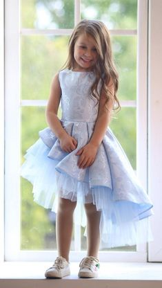 Informations About Light blue flower girl dress, Skew tulle dress, Girl party dress, Baby girl Dress Baby Girl Party Dresses, Birthday Girl Dress, Little Girl Dresses, Blue Dresses, Girls Dresses, Flower Girl Dresses, Dress Girl, Baby Birthday, Dress Party