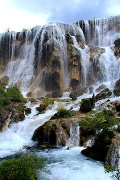 I will visit here next time I go back to China! Complete paradise that is jiuzhaigou, China