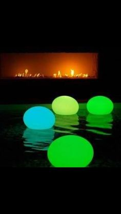 Glow stick in balloons for a pool party or bath time fun with kids!