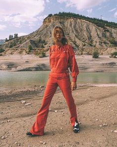 Head to toe YES! doing it all right wearing the GANNI Denim Overalls & Meg Boots. Get the look online or in-store at Tuchuzy. Red Overalls, Dungarees, John Galliano, Robe Baby Doll, Denim Fashion, Fashion Outfits, Red Outfits, Mode Jeans, How To Hem Pants