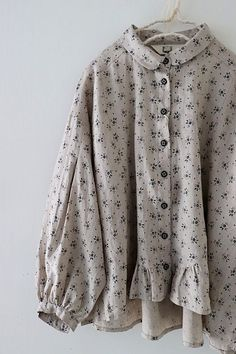 Source by clothes hijab Muslim Fashion, Modest Fashion, Hijab Fashion, Korean Fashion, Fashion Dresses, Linen Blouse, Blouse Dress, Blouse Styles, Blouse Designs