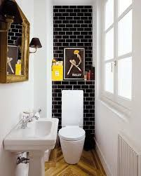 Resultado de imagem para extra small bathroom and stairs
