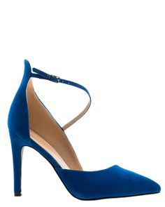 Blue pumps in a cool asymmetric cut! A thin ancle strap crosses the foot.  Pointy toe and heels in just the right height!