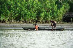 Pescadores del Pacífico. Colombia #SomosTurismo Colombia Travel, West Indies, Outdoor Furniture, Outdoor Decor, Hammock, Coastal, Boat, Places, Organic