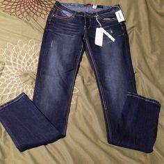 """Union Bay Skinny Jeans New with tags. Darker wash with distressed areas. Skinny. Straight leg. Detailed pockets. 31"""" inseam. Unionbay Jeans Skinny"""