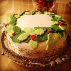 Christmas Holly Wreath Cake Holly Wreath, Christmas Cakes, Cake Ideas, Festive, Birthday Cake, Baking, Desserts, Food, Recipes