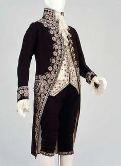 Man's three-part court suit (coat, waistcoat, and breeches) | Museum of Fine Arts, Boston