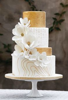White and Gold Modern Cake with Flowers – created and shared by For Goodness Cakes