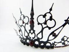 Red Gothique Black Filigree Gothic Tiara ... i think for halloween i would like to be the queen from snow white and the huntsman.  I think my halloween party is gonna make a come back this year!
