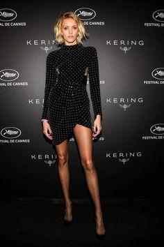 Charlotte Gainsbourg, Charlotte Casiraghi, Toni Garrn, Anja Rubik, Salma Hayek, Anouchka Delon, Skinny Fashion, Anthony Vaccarello, Pantyhose Legs