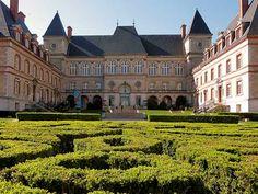 Hospede-se na Universidade de Paris
