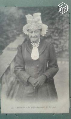 Carte postale ancienne Angers la coiffe Angevine