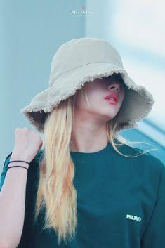 Twice-Sana 190628 Incheon Airport to Marina South Korean Girls, Korean Girl Groups, Singer Tv, Twice Fanart, Sana Momo, Sana Minatozaki, Twice Once, Fans Cafe, Love You So Much