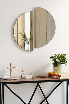 Spiegel in Halbkreisform