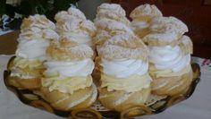 Veterníky ako od babičky - Recept vyzerá byť zložitý, ale je jednoduchý a… Czech Desserts, Sweet Desserts, Sweet Recipes, Delicious Desserts, Creme, Cookie Recipes, Dessert Recipes, Czech Recipes, Mini Cheesecakes