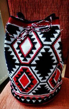 Mochila bag Crochet Sandals, Crochet Tote, Crochet Purses, Hand Crochet, Knit Crochet, Crotchet Bags, Knitted Bags, Tapestry Crochet Patterns, Tapestry Bag