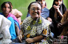 "India.  Una federazione di donne disabili.  In: ""10 anni con Fondazione Pangea"" (www.pangeaonlus.org)"