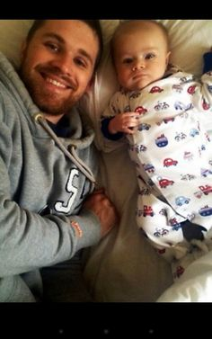 Ahhhhh Greg horan and son adorable Greg Horan, James Horan, Daddy And Son, Father And Son, One Direction Pictures, I Love One Direction, Big Love, First Love, Irish Boys