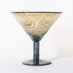 OIVA TOIKKA - Glass goblet for Nuutajärvi Notsjö, Finland. [h. 19 cm, Ø 19 cm]