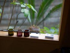 イッタラ キビの魅力は色の綺麗さとバリエーションにある。スコープ別注のキビも含め、豊富なカラーから選べる。色が増えれば増えるほど、そのガラスの塊は綺麗さを増していくのだから、Kivi集めはやめられなくなってしまう。
