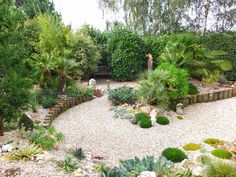 Alternative Eden Exotic Garden: A Day at Crete Lodge Exotic Garden